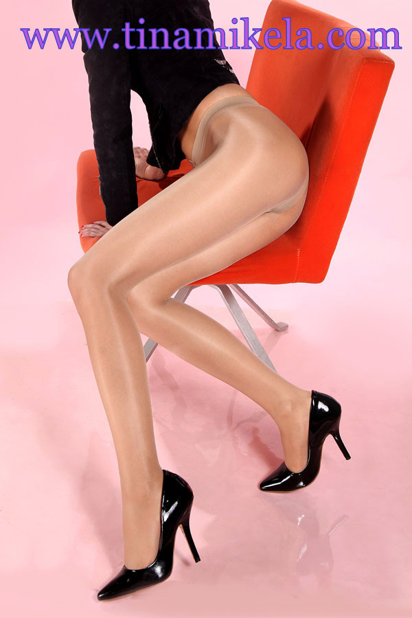 Sheer To Waist Shiny Pantyhose - 4